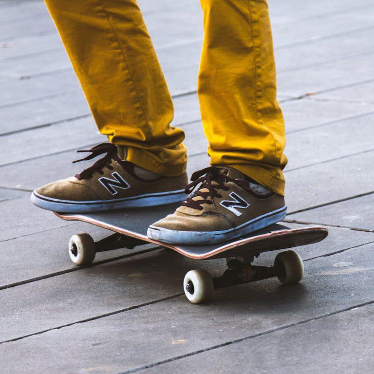 skateboard stance - goofy, regular, fakie, switch, nollie